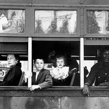 Maestros de la fotografía: Robert Frank, el fotógrafo  que se hizo mítico con un solo libro