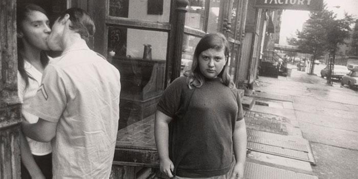 GARRY-WINOGRAND (Fragmento) NY 1969 © The Estate of Garry Winogrand, cortesía Fraenkel Gallery, San Francisco.