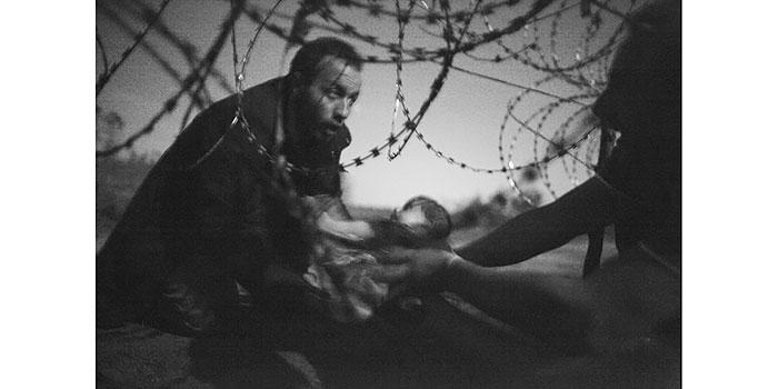 Una fotografía sobre la crisis de los emigrantes gana el World Press Photo 2016