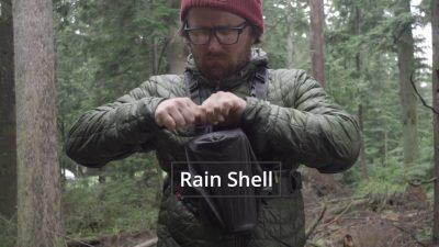 Nuevo arnés fotográfico para aire libre, distribuye el peso de 2 cámaras y protege de la lluvia
