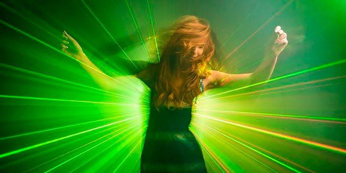 Esquema de iluminacion efecto laser discoteca