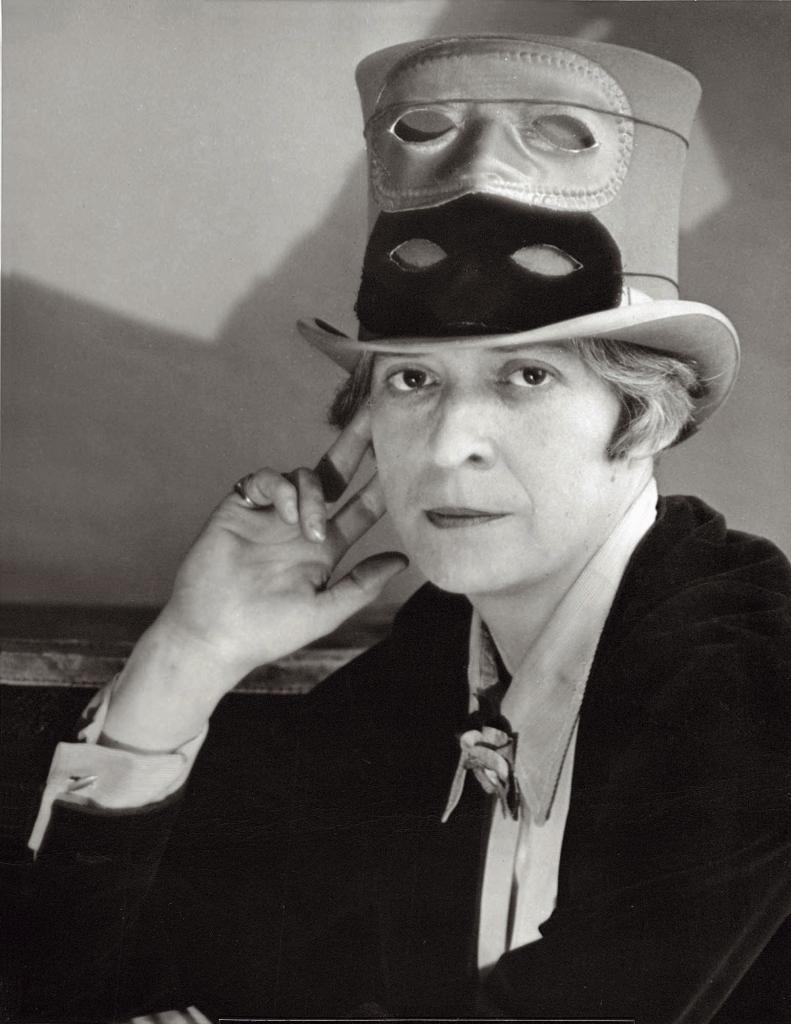 Berenice-Abbott-Jannet-Flanner-1927